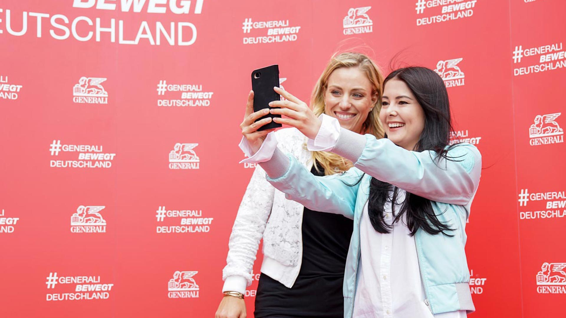 Influencer Event! Angelique Kerber überreicht #1 Sport Influencer Award an Pamela Reif!