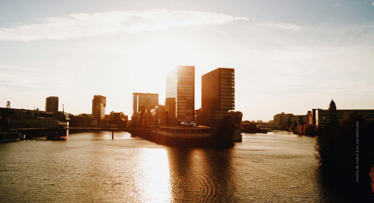 Makler Düsseldorf finden: Top Immobilienmakler Tipps, Tricks + Empfehlung