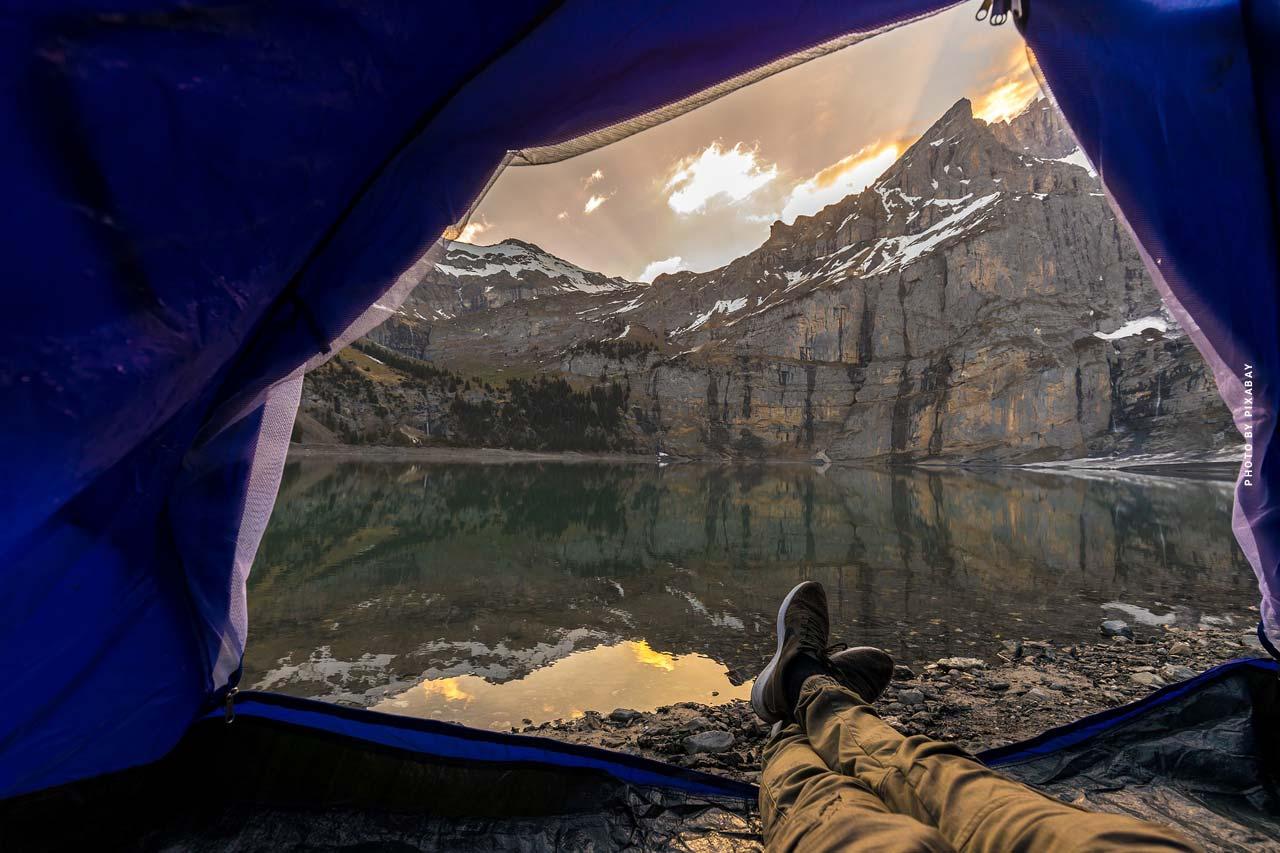 Wohnen & Schlafen XXL: Camping im Zelt, Wohnwagen & Campingbus
