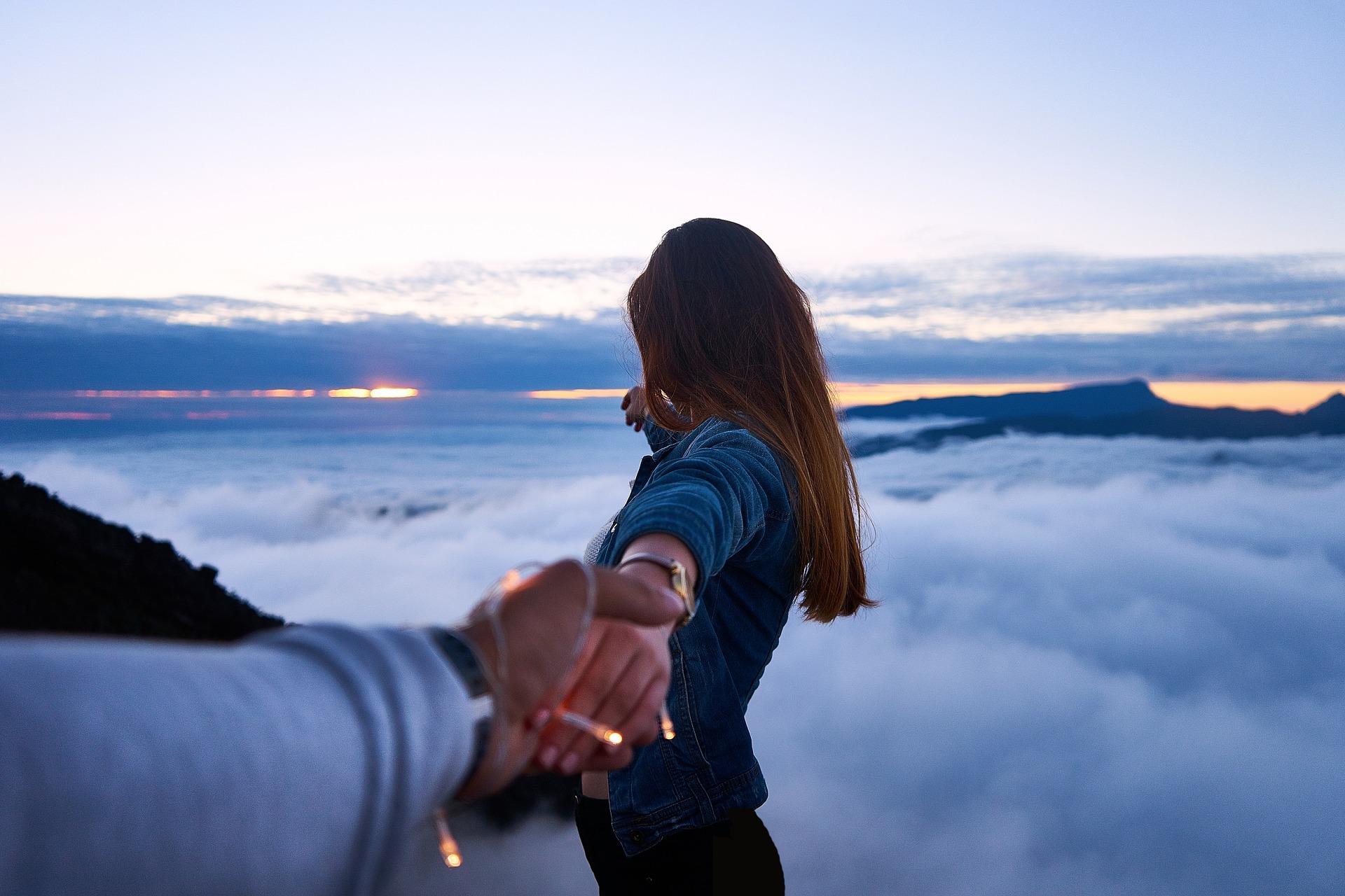Dating-App: Kostenlos flirten? Erfahrung, Tipps und Test für dein nächstes Date!