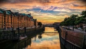 Urlaub Hamburg: Musicals, Comedy und Strandurlaub mit Hafenrundfahrten