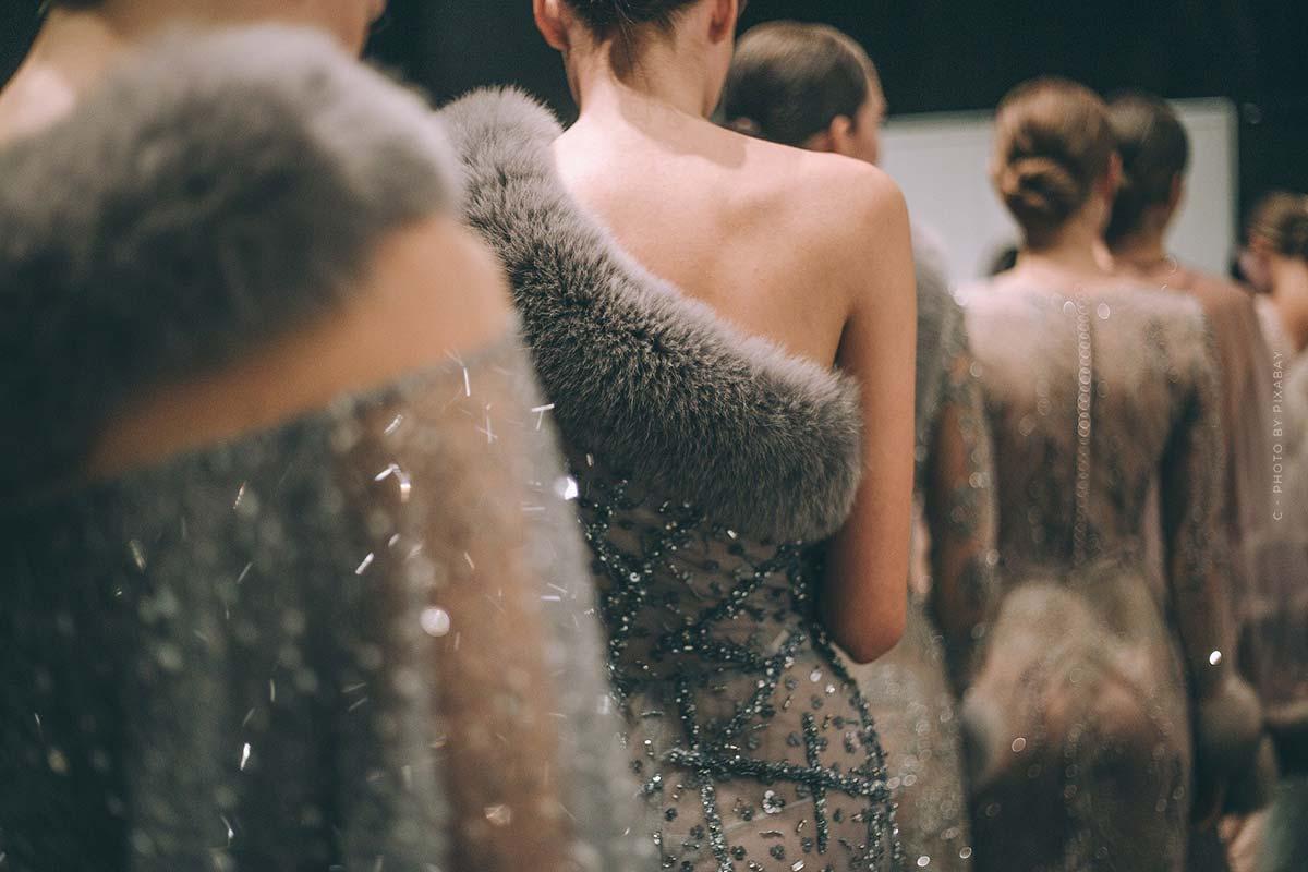Fashion Show Highlights von Givenchy - Extravagante Haute Couture und romantische Männerkollektionen