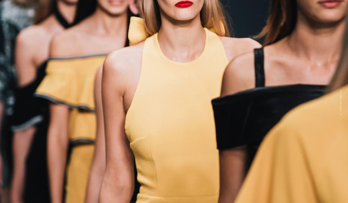 Prada - außergwöhnliche Haute Couture, Kollektionen und elegante Accessoires