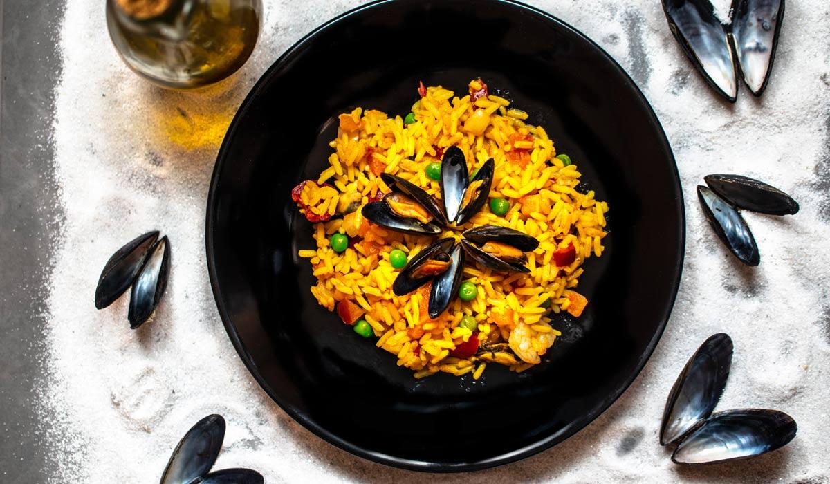 Die leichtesten Gerichte zum Nachkochen für Zuhause:Spaghetti Bolognese, Ratatouille & Paella