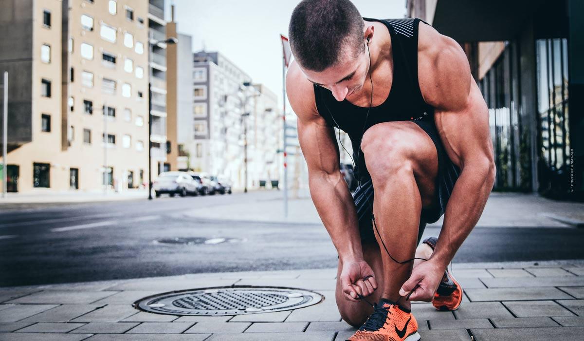 Motivation beim Sport steigern: Tipps für das Workout zu Hause, Musik, gesunde Snacks & mehr!