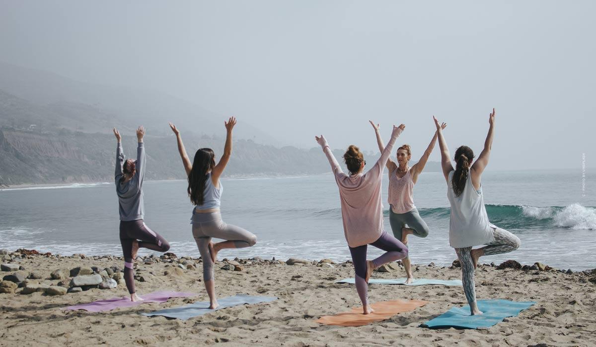 Yoga: Übungen für Anfänger, Grundwissen & Tipps der Stars - inklusive Videos zum Mitmachen!
