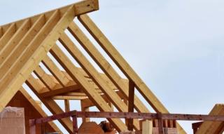 Haus kaufen oder bauen?! Erfahrungen von Bauherren*innen und Experten
