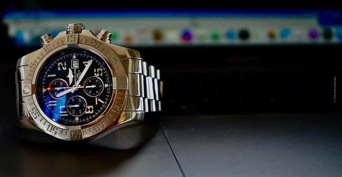 Breitling Aviator 8: Fliegeruhren in edlem Rotgold, Titan oder Edelstahl