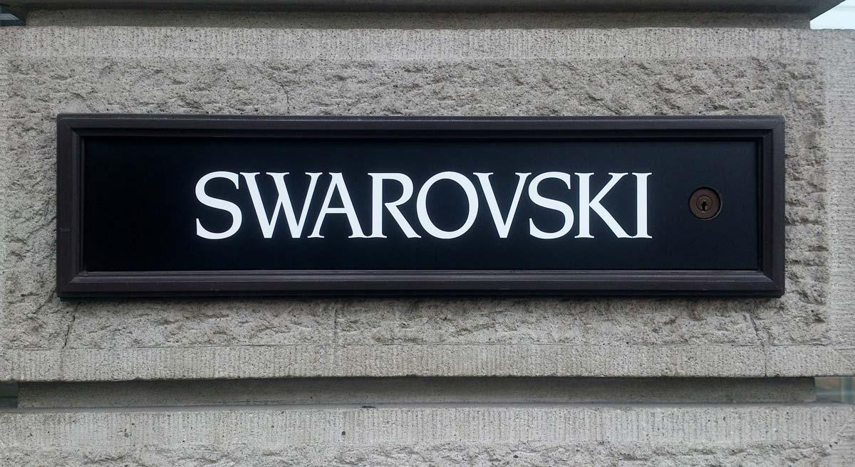 Swarovski: Armbänder, Ringe, Uhren und Schwan Halsketten - seit 125 Jahren