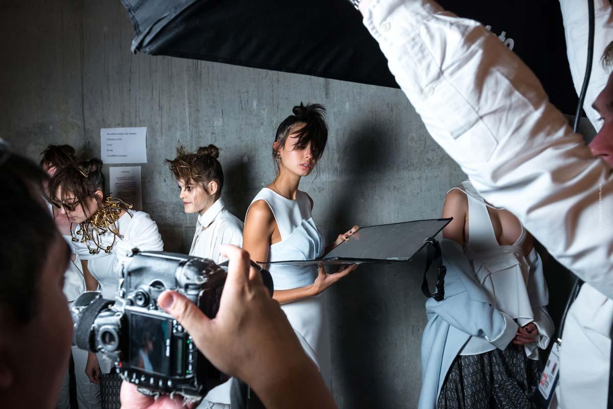 Céline: lässige Pariser Mode, Taschen, Parfüm & Accessoires