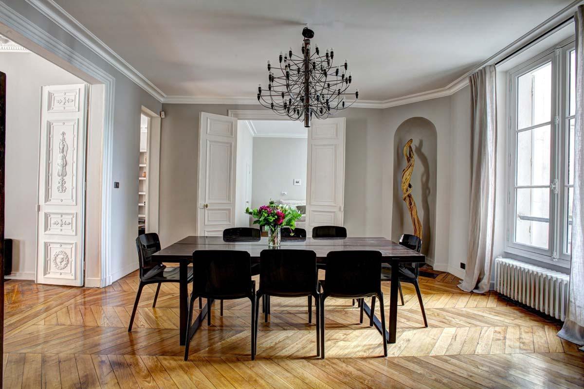 Hermès Interior: exklusive Einrichtung, Möbel, kuschelige Decken und Kissen