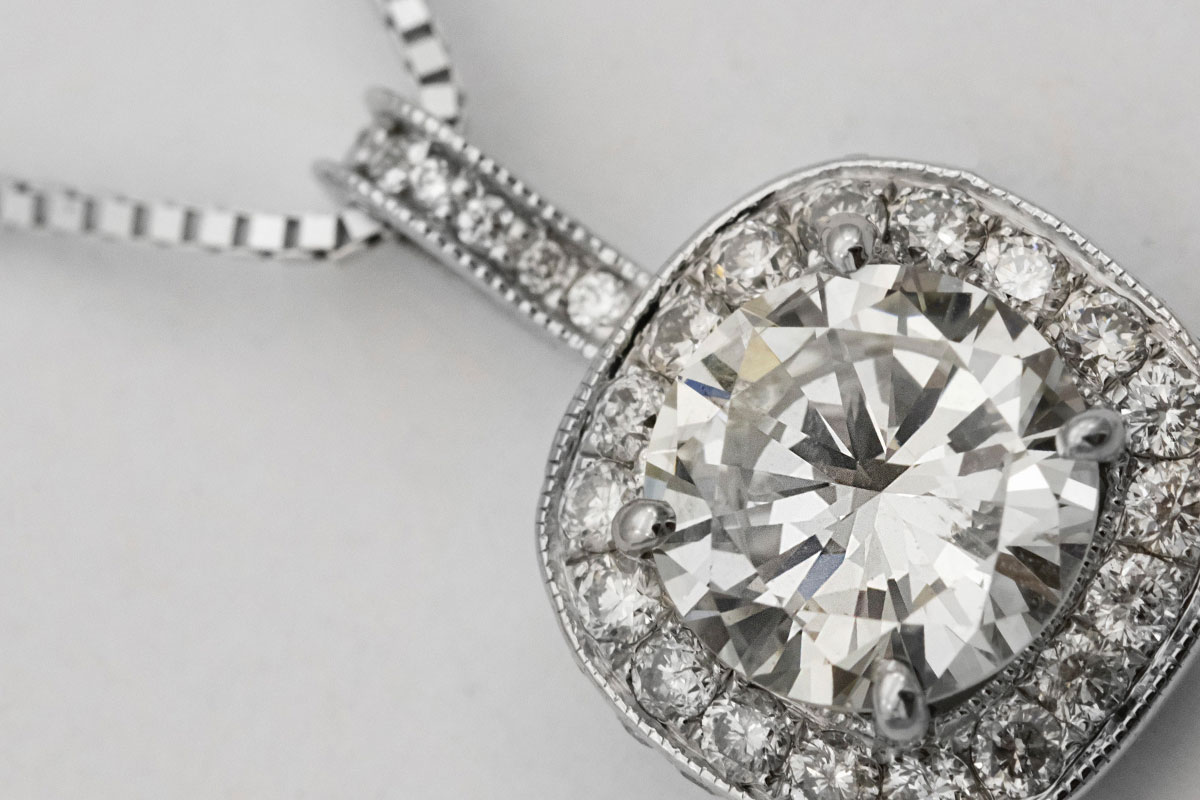 Opal kaufen: Preis, Vorkommen, Farbe und Pflege - Kapitalanlage Edelstein