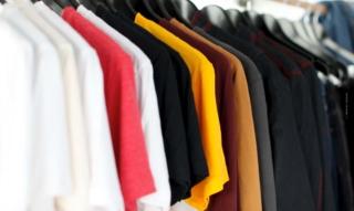 Statement Shirts Damen: Preise, Geschenk & angesagtes Must-Have