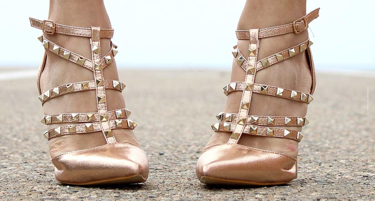 Valentino Rockstud Schuhe: Nietenbesetzte Riemchenpumps, Slingbacks, Sneaker und Ballerinas