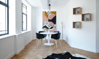 Cassina Furniture: aufwendige Designermöbel wie Sofa, Sessel und Stühle aus Italien
