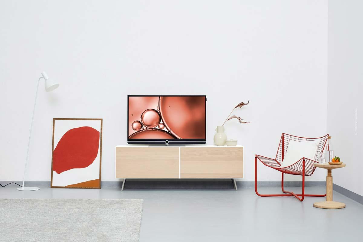Kartell Interior: minimalistische Lampen, Sofas, Möbel & bunte Stühle aus Italien