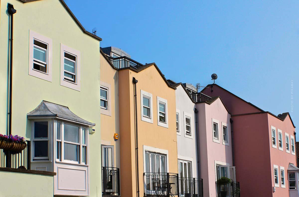 Reihenhaus: Kaufpreis, Nachbarn & Co. - Vorteile & Nachteile für Kauf, Bau oder Mieten