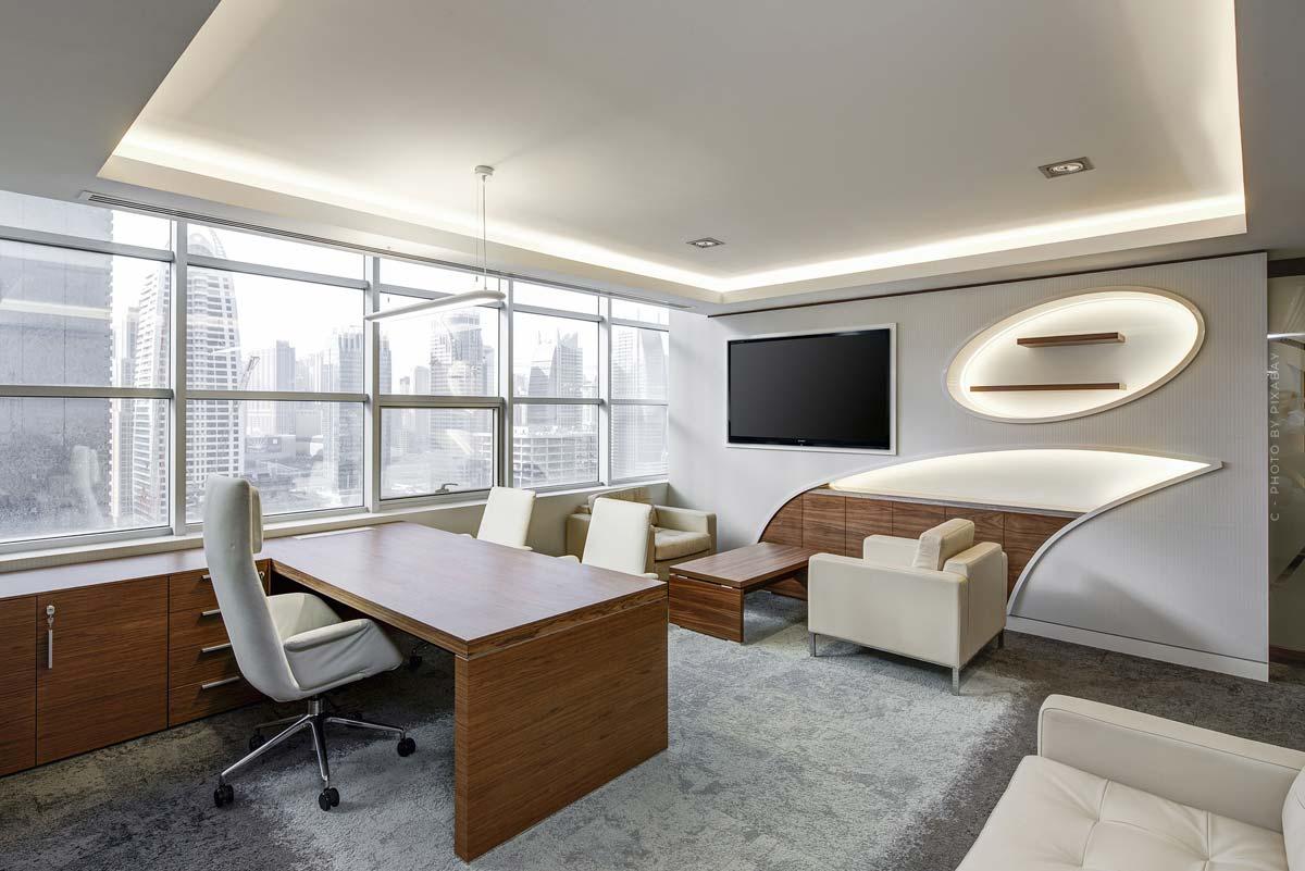 Büro einrichten: Gestaltungsideen und Tipps für Schreibtisch, Bürostuhl, Schränke und Co.