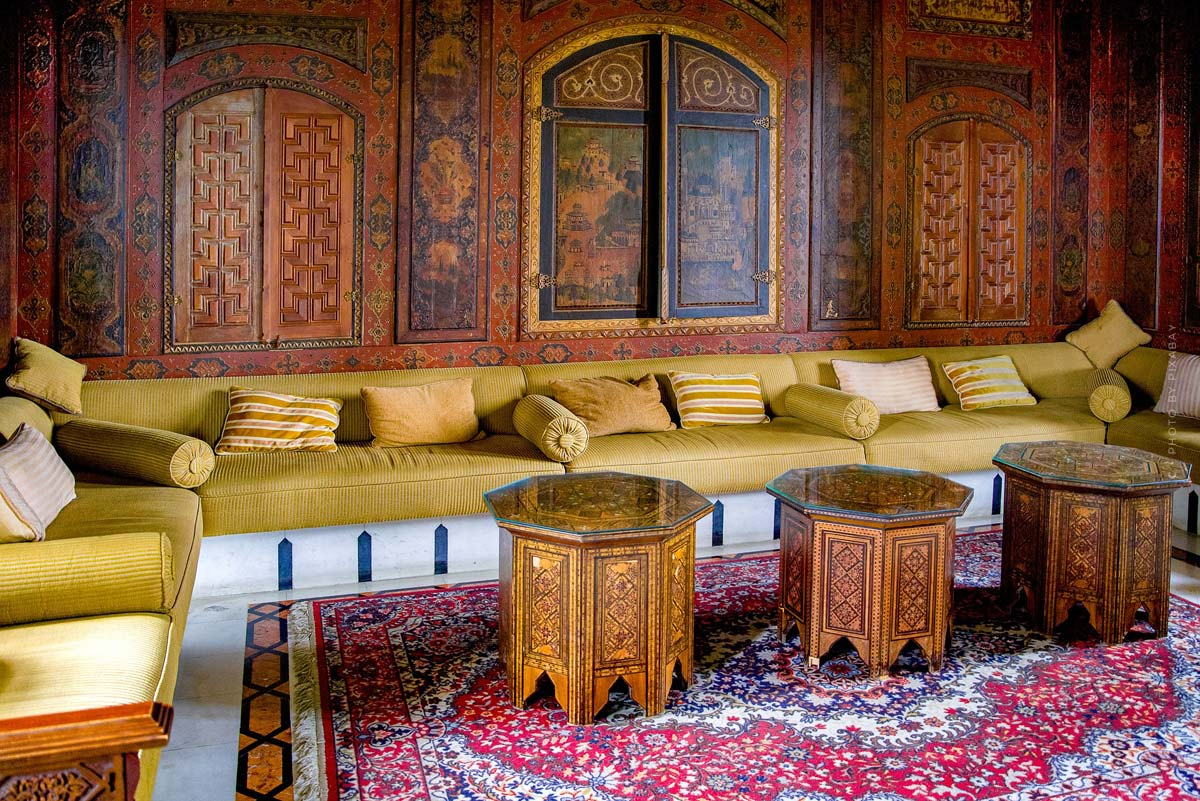 Orientalisch einrichten: Wohnen wie in 1001 Nacht - Möbel, Kissen und Deko mit dem Oriental Touch