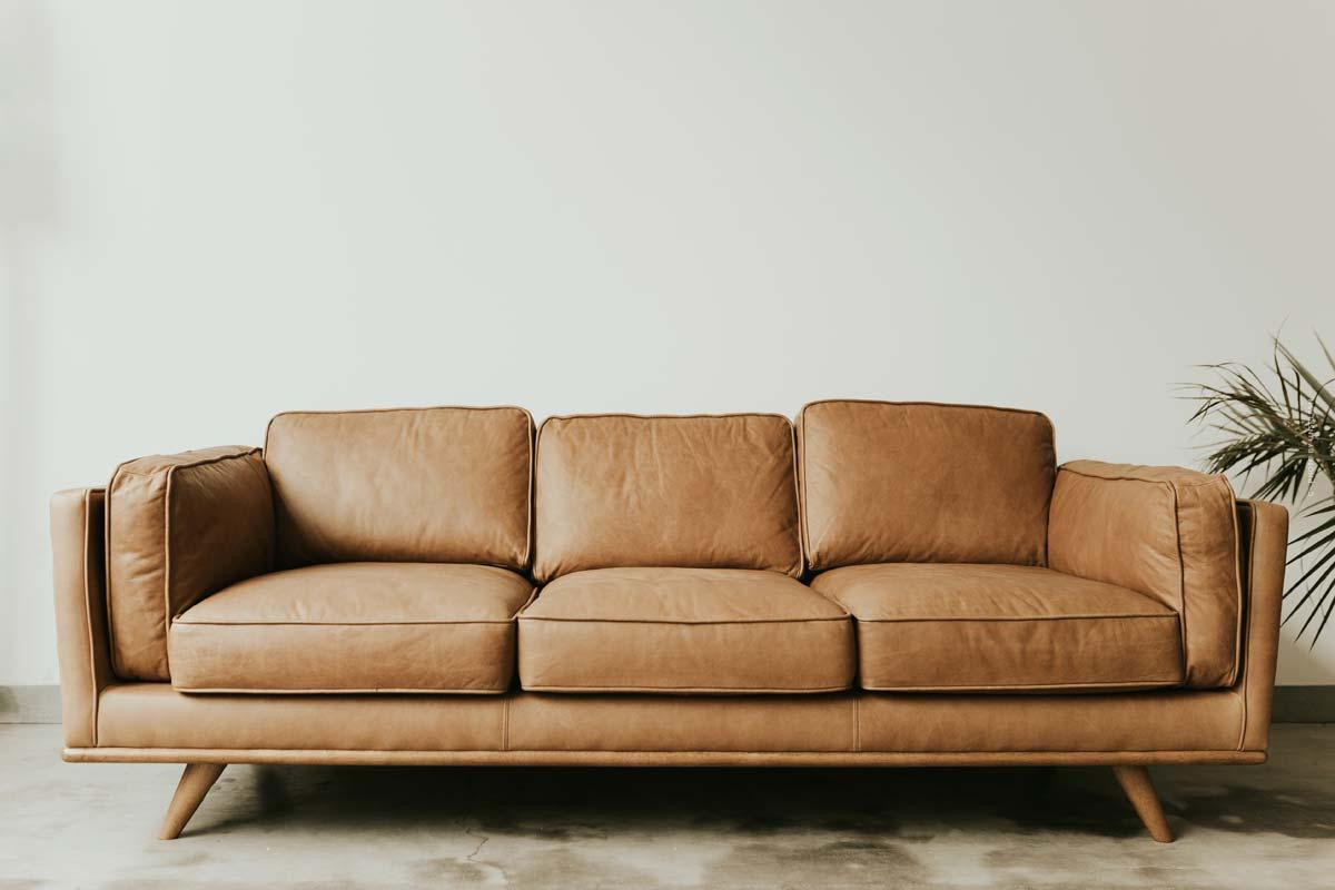 Sofas und Couches: bequeme Schlafsofas, Sofalandschaften mit dekorativen Kissen und mehr für Wohnzimmer & Co.