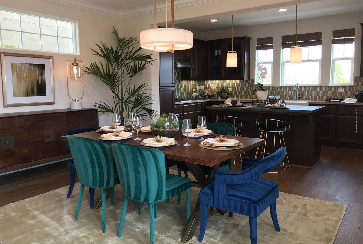 Tische: Esstische, Couchtische und Co. - Materialien und Vergleich, mit Deko-Ideen für dein Zuhause