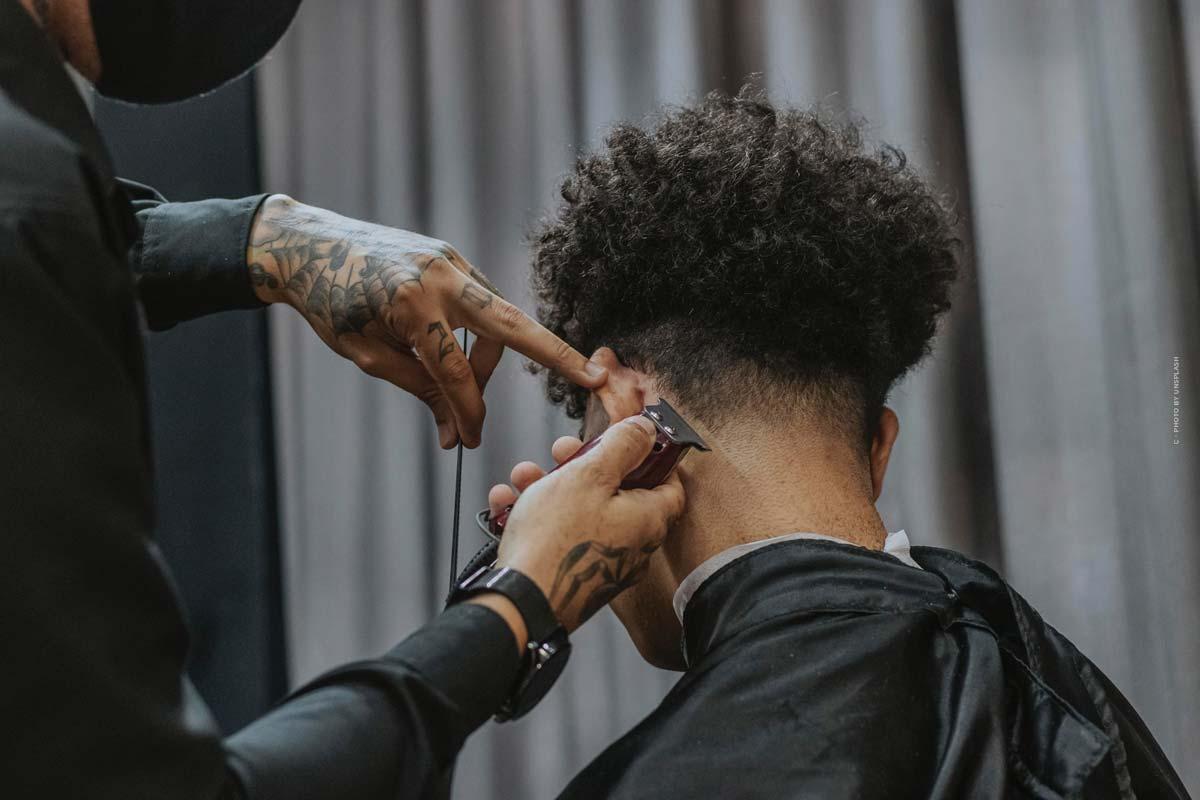 Top 5 Trend-Frisuren für Männer: kurz, lang oder mit Locken?
