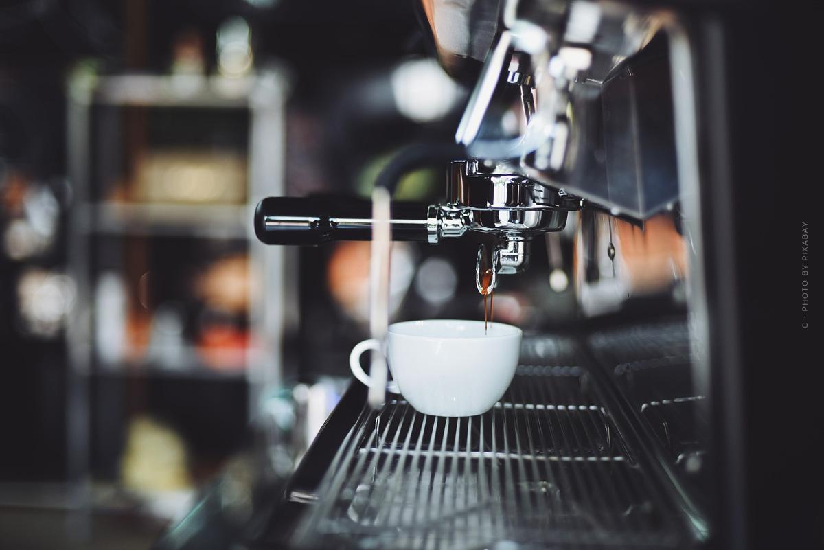 WMF 1100 S Kaffeevollautomat: Ausstattung, Funktionen & Bedienung- alles für dein Barista-Erlebnis