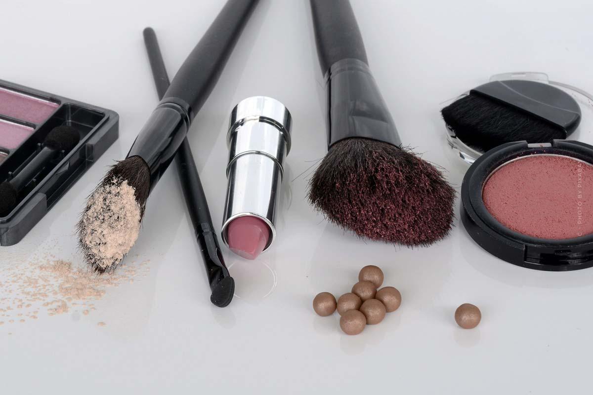 Make-Up: Grundierung, Foundation, Pflege- für jeden Anlass gestylt