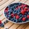 Beeren Smoothies: Blaubeere, Himbeere & Co.- der Frischekick im Alltag