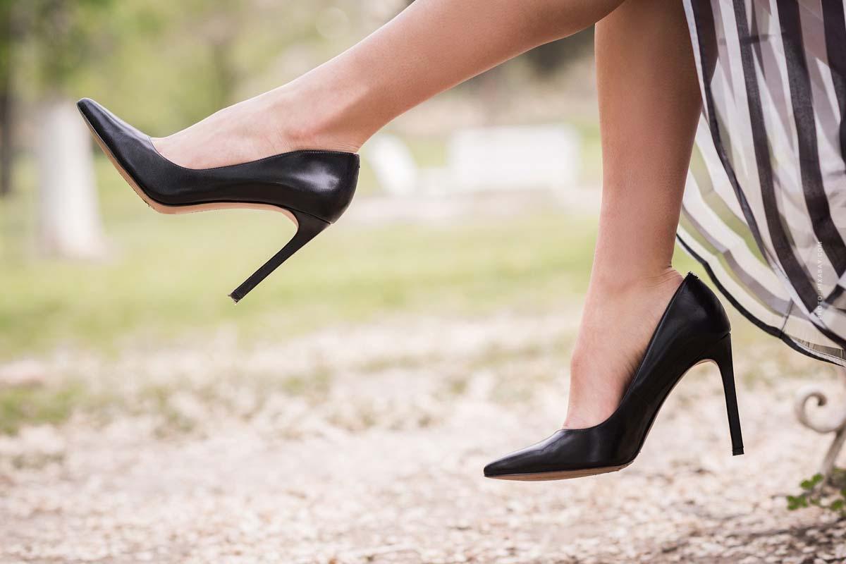 Schmale Füße: Mit diesen Schuhtipps läufst Du besser - inkl. Schuhweitentabelle!